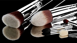 Picture for category Makeup Brushes & Applicators